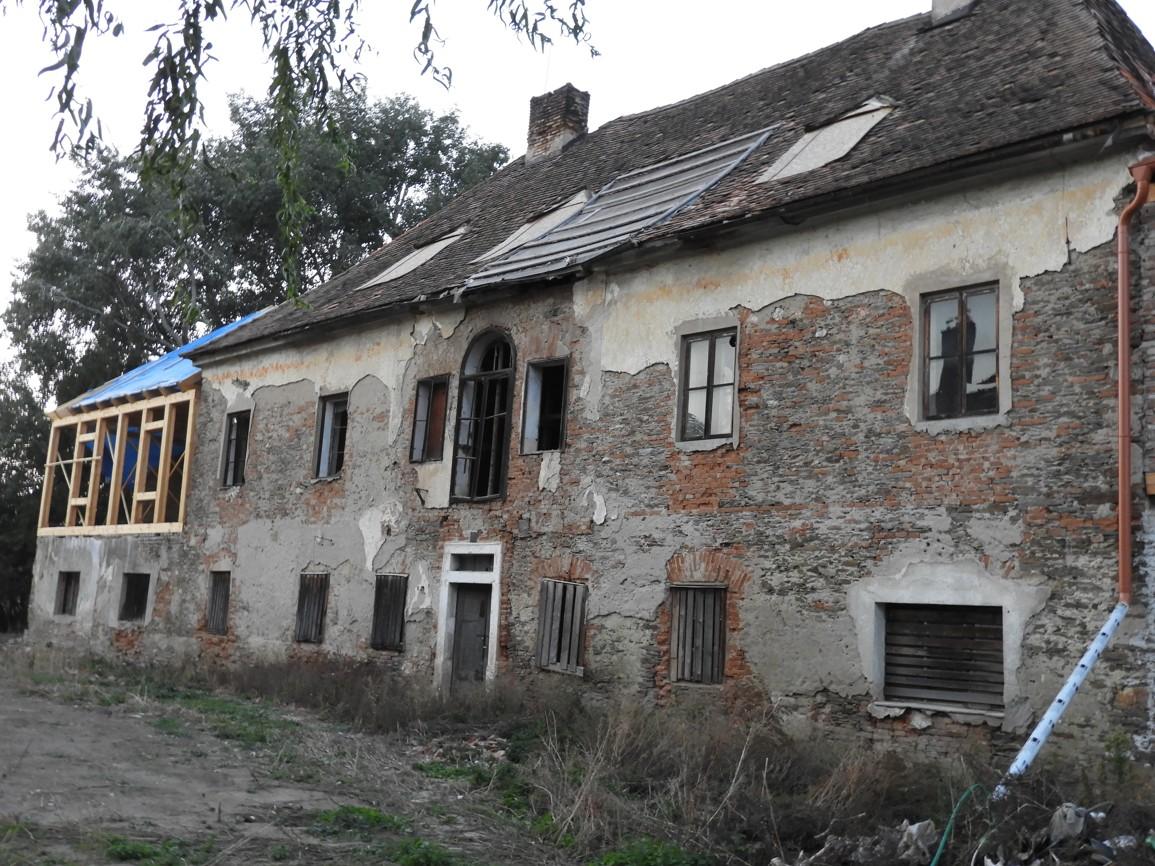 DSCN9276 Dům Alexandera Dreyschocka v Žákách, kam se rodina přestěhovala